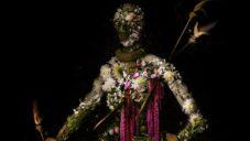 Meggan Joy fotografuje květiny a skládá z nich romantické portréty