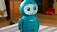 Moxie je robot pro děti učící je hravou formou podle týdenních plánů