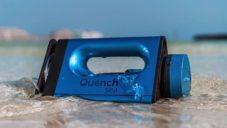 QuenchSea je malé a levné ruční zařízení měnící mořskou vodu v pitnou