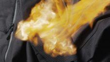 Vollebak vyvinul ohnivzdornou a voděodolnou bundu 100 Year Hoodie