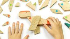 ESNAF Toys jsou ručně vyráběné dřevěné hračky zvířat z dílků na magnet