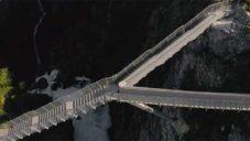 U norského vodopádu Vøringsfossen postavili vyhlídkový most s 99 schody