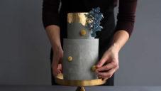 Tortik Annushka navrhují moderní dorty připomínající více sochy než dezert