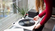 Tone Turntable je minimalistický gramofon s bluetooth vyrobený v Česku