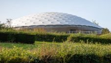 Freedom Museum v Nizozemsku má nafouknutou střechu ze dvou membrán