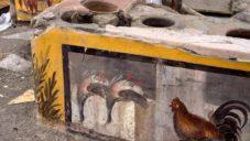 V Pompejích nalezli částečně dochované Termopolio včetně maleb