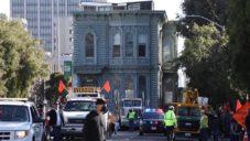 Historický viktoriánský dům se v San Francisku přemístil na novou adresu