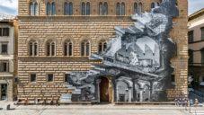JR pokryl fasádu florentského paláce Palazzo Strozzi optickou iluzí jiného světa