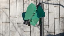 Papilio je pouliční lampa na větrnou energii svítící jen v případě potřeby