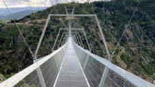 V Portugalsku dokončil největší zavěšený most pro pěší na světě Arouca 516
