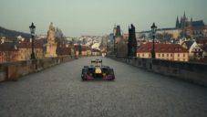 Red Bull Racing natočil s monopostem F1 skvělou reklamu na Česko a Slovensko