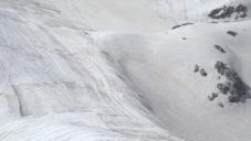 V Itálii přikryli část hory jako varování před globálním oteplováním