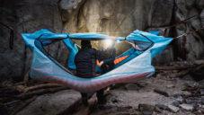 Haven Tent je závěsný stan pro pohodlné přespání v přírodě