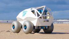 Inteligentní robot BeachBot od Microsoftu sbírá cigaretové nedopalky z pláží