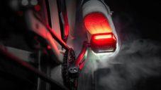 Arclight Pedals jsou svítící pedály na kolo pro lepší viditelnost cyklisty