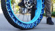 Američan si sám ručně vyrobil Airless Tires pro své jízdní kolo
