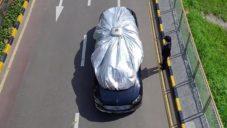 Vinoya ochranná plachta na osobní auta rozvinutá do 30 sekund